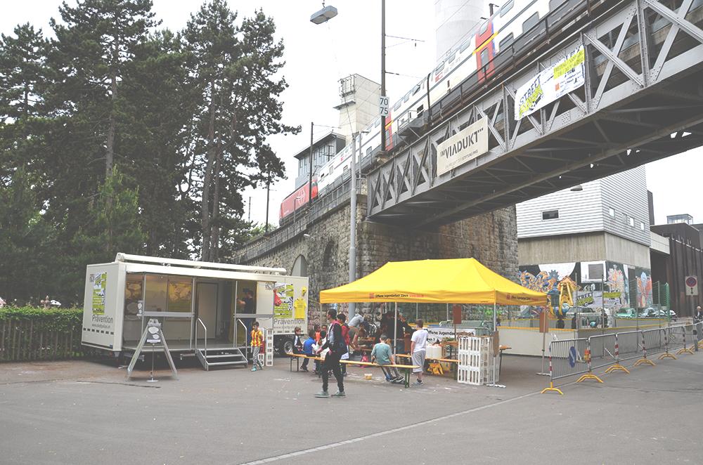 Wieder unter dem Viadukt